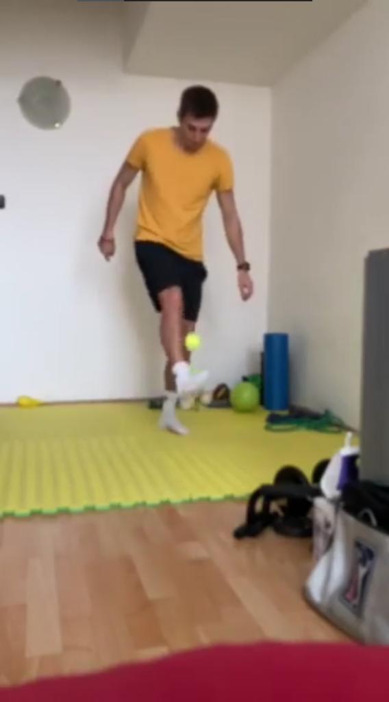 Nožičky s tenisákem – Ondřej Filip
