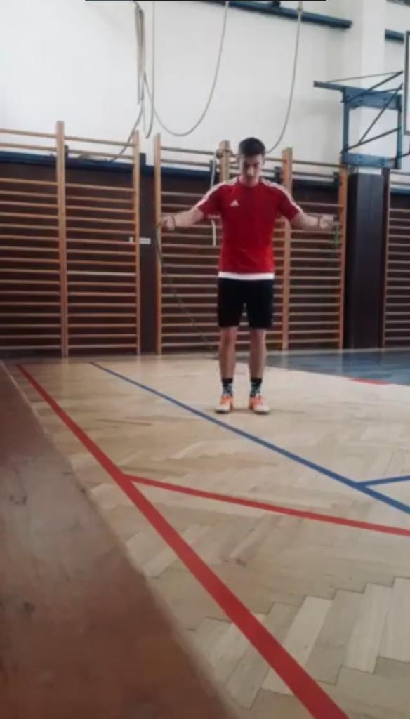 Skákání přes švihadlo – Ondřej Filip